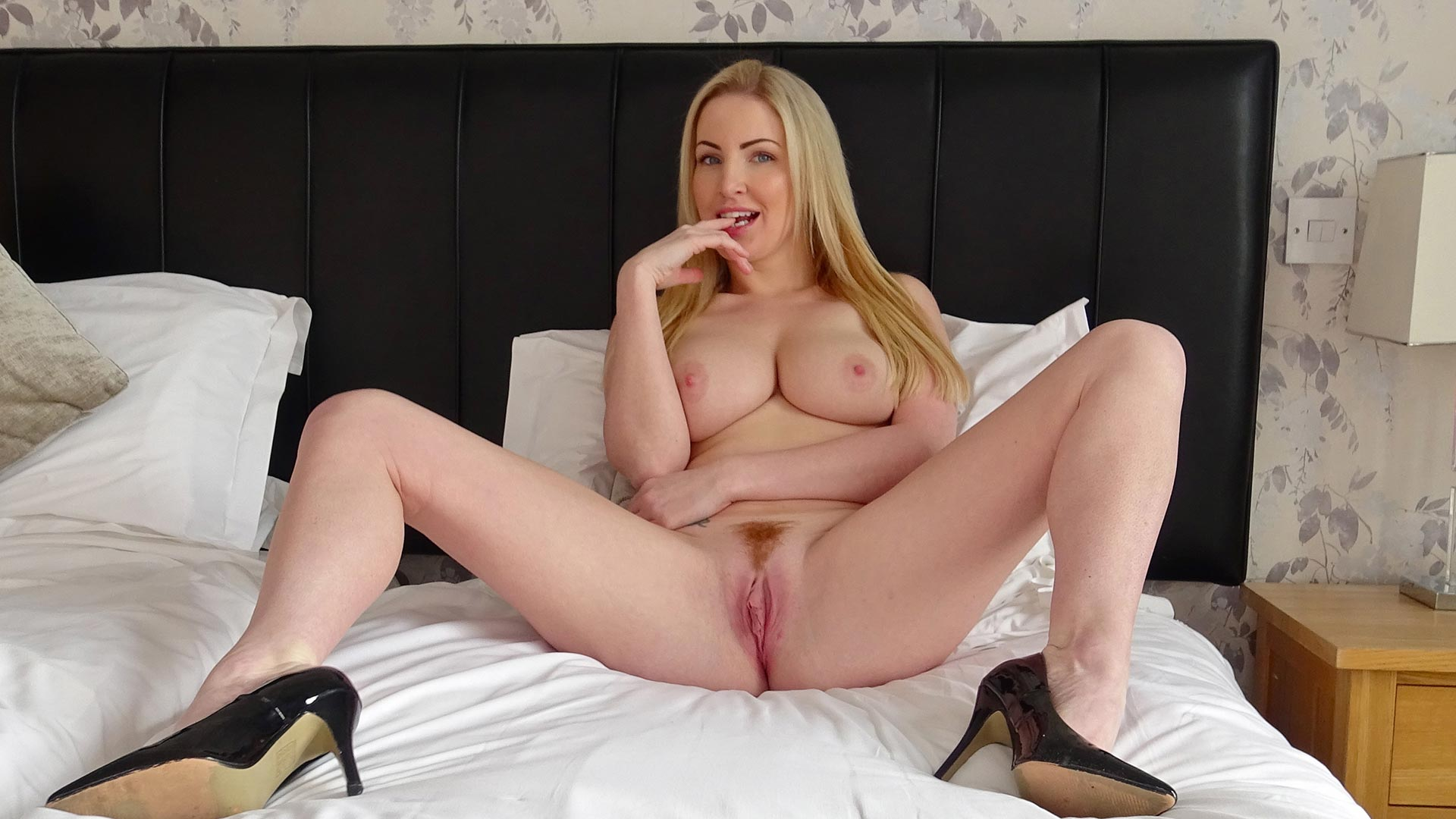Preview Pascal Sub Sluts - SubSlut Georgie Lyall: left alone to make herself cum