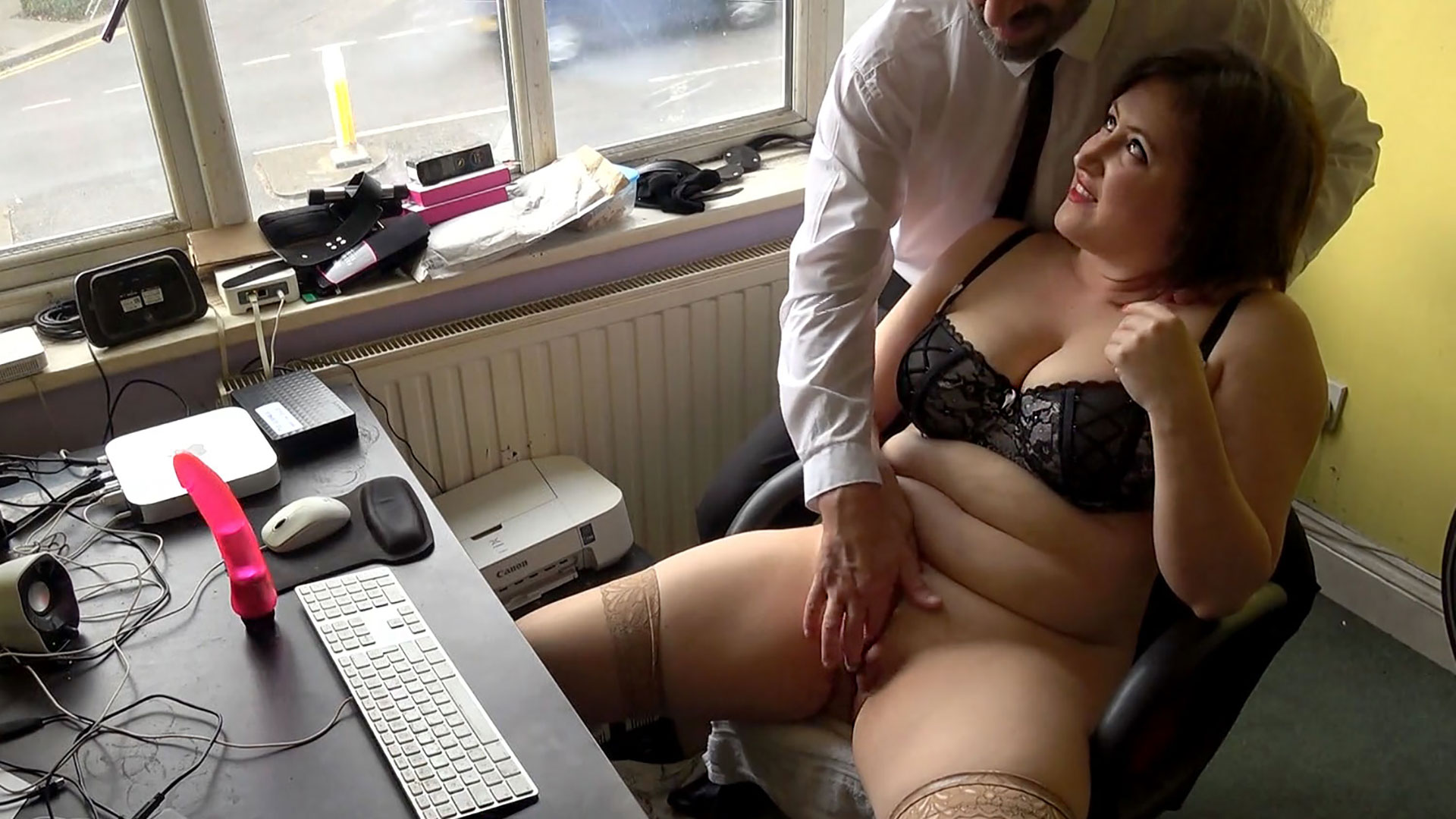 Preview Pascal Sub Sluts - SubSlut Laura Louise: made to watch her scene & wank